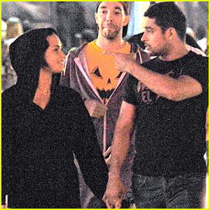 Demi Lovato & Wilmer Valderrama Hold Hands for Date Night!