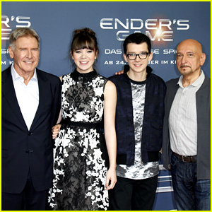 Hailee Steinfeld & Harrison Ford: 'Ender's Game' Berlin Photo Call!