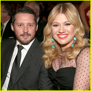 Kelly Clarkson Marries Brandon Blackstock in Tennessee!