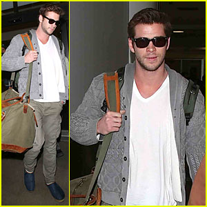 Liam Hemsworth: Knoxville Charity Premiere Honoree!