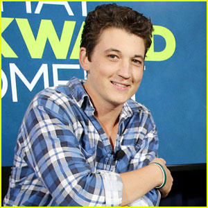 Miles Teller Talks Getting Naked Next to Zac Efron in 'That Awkward Moment' (Interview)