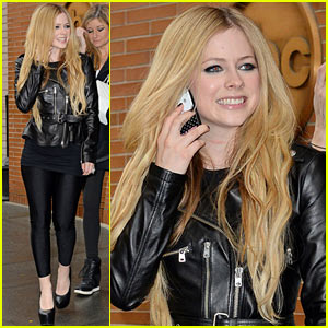 Avril Lavigne: I Don't Want Kids Now, I Still Need to Have Fun!