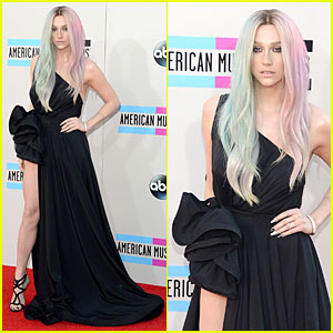 Ke$ha - AMAs 2013 Red Carpet