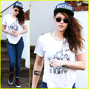 Kristen Stewart Flashes Arm Tattoo After Thanksgiving!