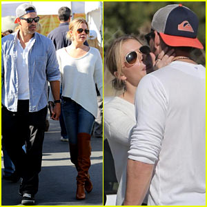 LeAnn Rimes & Eddie Cibrian Get Affectionate at Farmer's Market