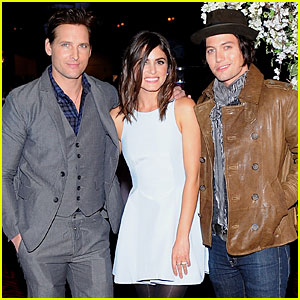 Nikki Reed & Peter Facinelli: 'Twilight' Experience Exhibit Launch!