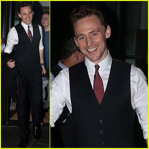 Tom Hiddleston Surprises Kids at 'Thor' Halloween Screening!