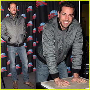 Zachary Levi: Planet Hollywood Handprint Ceremony!