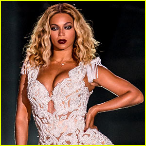 Beyonce's Toned Bikini Body is Am