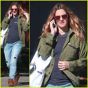 Drew Barrymore: Post Thanksgiving Yoga Session!
