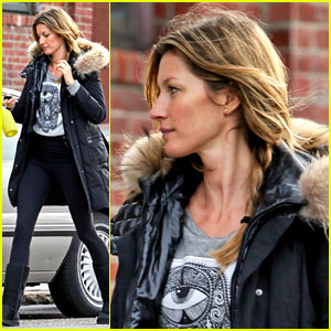 Gisele Bundchen Hits th