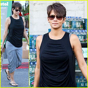 Halle Berry Shows Slimmed Down Post Baby Body!