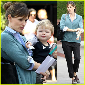 Jennifer Garner: Bradley Cooper Shares Sweet First Memory!