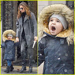 Miranda Kerr & Flynn: Snowy Winter Wonderland!