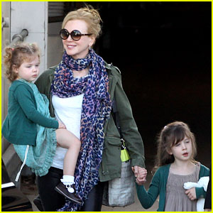 Nicole Kidman: Australia Arrival with Faith & Sunday!
