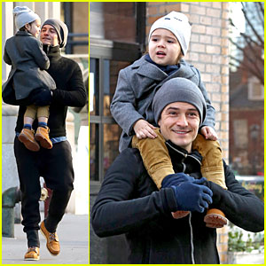 Orlando Bloom & Flynn: Beanie Matching Father-Son Duo!