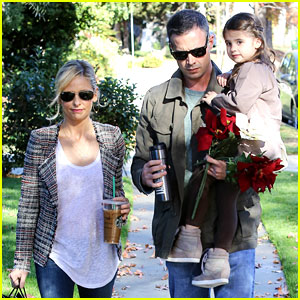 Sarah Michelle Gellar & Freddie Prinze Jr: Christmas Party with Charlotte!