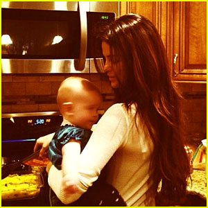 Selena Gomez Shares Holiday Photos with Baby Sister Gracie!