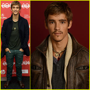 Brenton Thwaites: 'The Signal' at Sundance Film Festival!