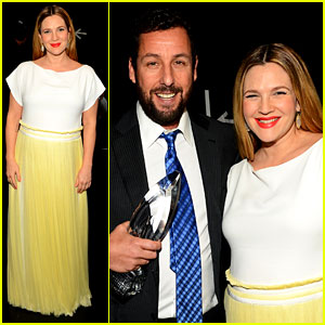 Drew Barrymore Presents Adam Sandler with a People's Choice Award!