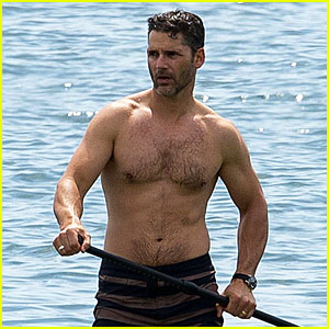 Eric Bana Shows Off Buff Shirtless Body in Melbourne!