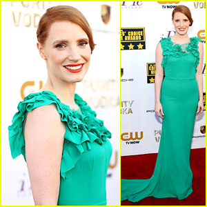 Jessica Chastain - Critics' Choice Awards 2014 Red Carpet