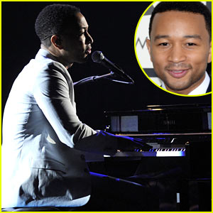 John Legend Performs 'All of Me' at Grammys 2014! (VIDEO)