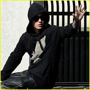 Justin Bieber Leaves Jail, Waves to Fans After
