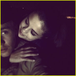 Justin Bieber & Selena Gomez Back Together in Instagram Pic!