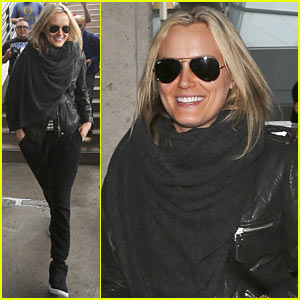 Taylor Schilling Arrives in Los Angeles for Golden Globes Week!