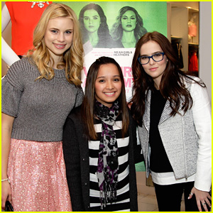 Zoey Deutch & Lucy Fry: 'Vampire Academy' Houston Signing!