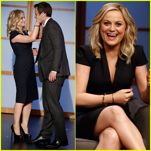 Amy Poehler Visits Seth Meyers on 'Late Night' Debut!