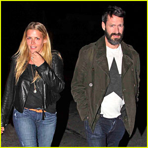 Busy Philipps Grabs Dinner at Craig's with Her Friends!