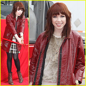 Carly Rae Jepsen: Honoree at Gray Line's Ride Of Fame Event!