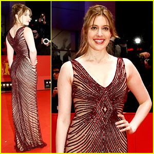 Greta Gerwig: Berlin Babe After Joining 'How I Met Your Dad'!