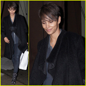 Halle Berry: Craig's Take Out on Super Bowl Night!