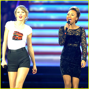 Taylor Swift & Emeli Sande Sing 'Next to Me' in London! (Video)