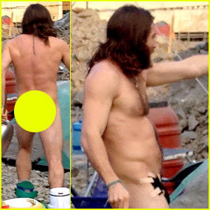 Jake Gyllenhaal Goes BUTT NAKED on 'Everest' Set! (Photos)