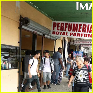 Selena Gomez & Justin Bieber Reunite in Texas - See the P