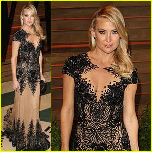 kate hudson changes into new dress for vanity fair oscars