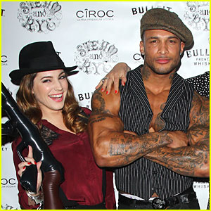 Kelly Brook is Reportedly Engaged to David McIntosh?