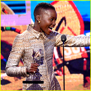 Lupita Nyong'o WINS Best Supporting Female at Independent Spirit Awards 2014!