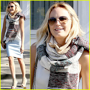 Malin Akerman Gushes Over 'Trophy Wife' Guest Star Megan Mullally!