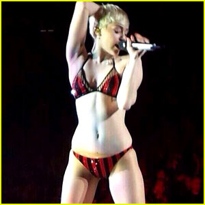 Miley Cyrus Misses Quick Change, Performs in Her Underwear!