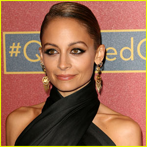 Nicole Richie Dyed Her Hair a Shocking Color!