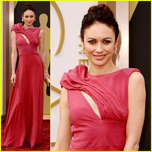 Olga Kurylenko Wears Eco-Fashion on Oscars 2014 Red Carpet