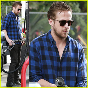 Ryan Gosling Looks Mighty Fine Pumping His Own Gas in L.A.