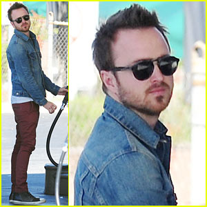 Aaron Paul Feels Like an Ex-Boyfriend to Amanda Seyfried!