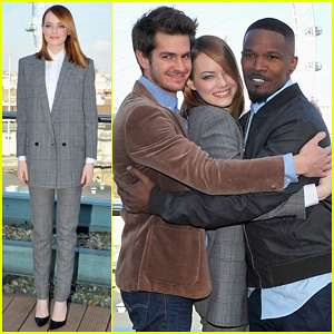 Emma Stone, Andrew Garfield, & Jamie Foxx: One Big Group Hug at 'Spider-Man' Photo Call!