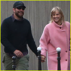 Bradley Cooper & Suki Waterhouse Squash Split Rumors with Romantic Par
